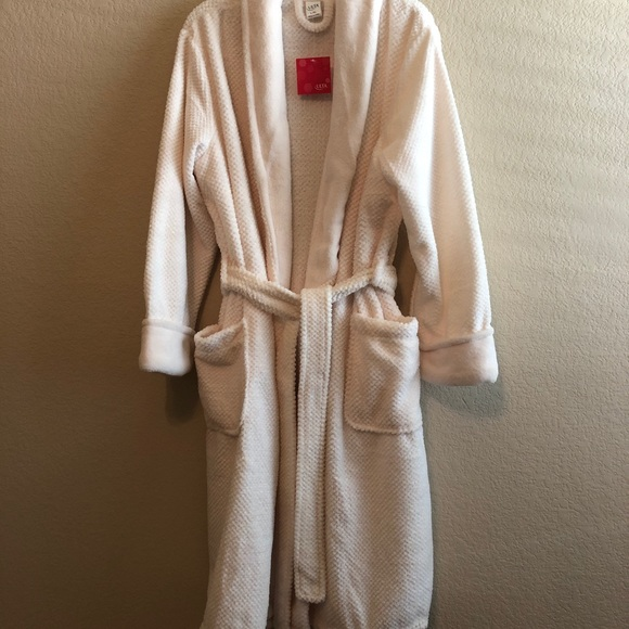 Ulta Beauty Other - NWT • ULTA Beauty luxury soft robe • Size L/XL